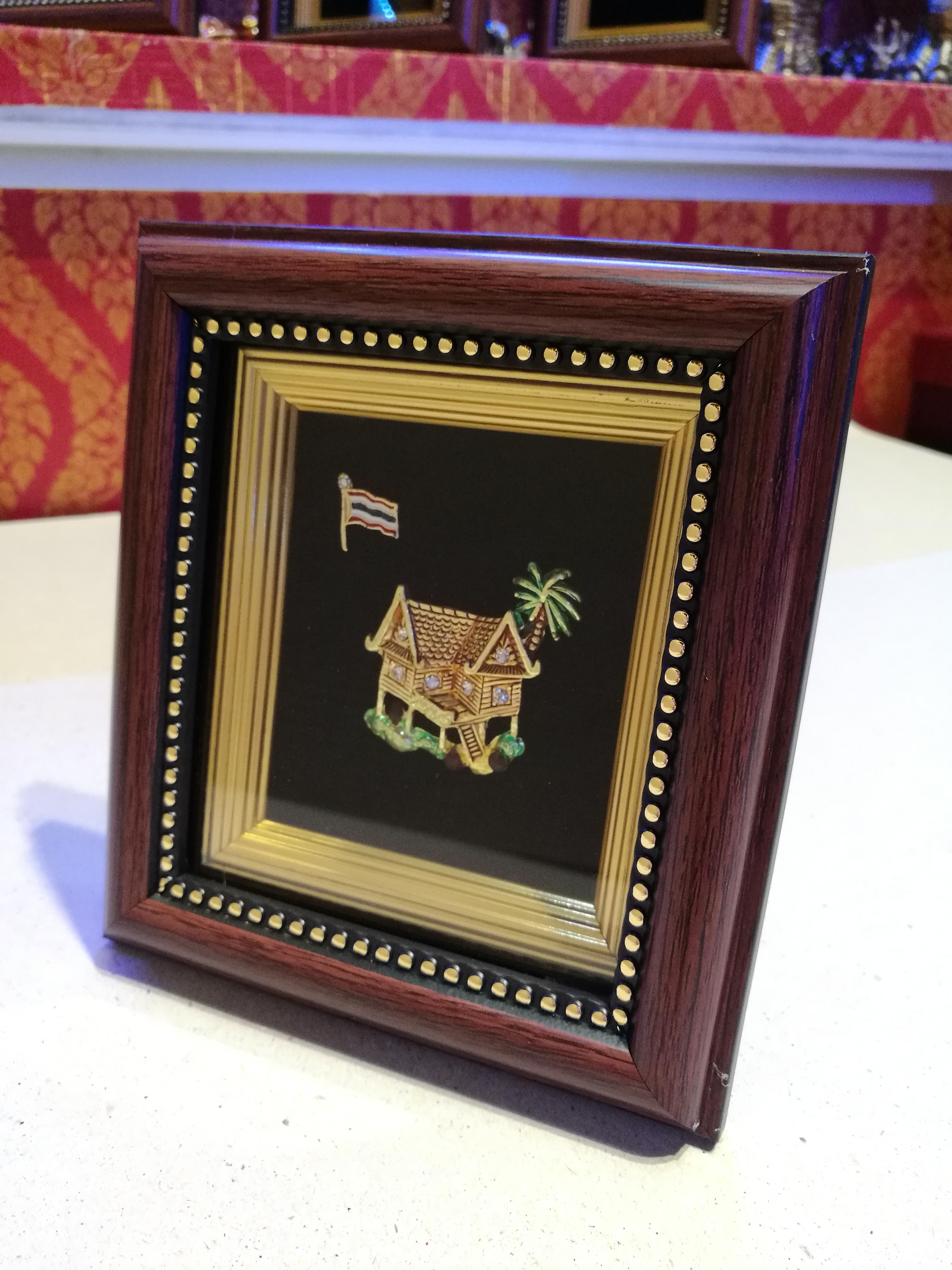 กรอบรูปเอกลักษณ์ไทย รูปบ้านทรงไทย ประดับเพ็ชร สวยคลาสสิกข้ามเวลา