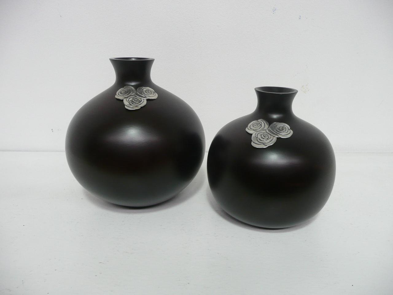 แจกันดอกไม้ สีดำ รูปทรงกลม งานหัตถกรรม ของตกแต่งบ้าน ห้องรับแขก