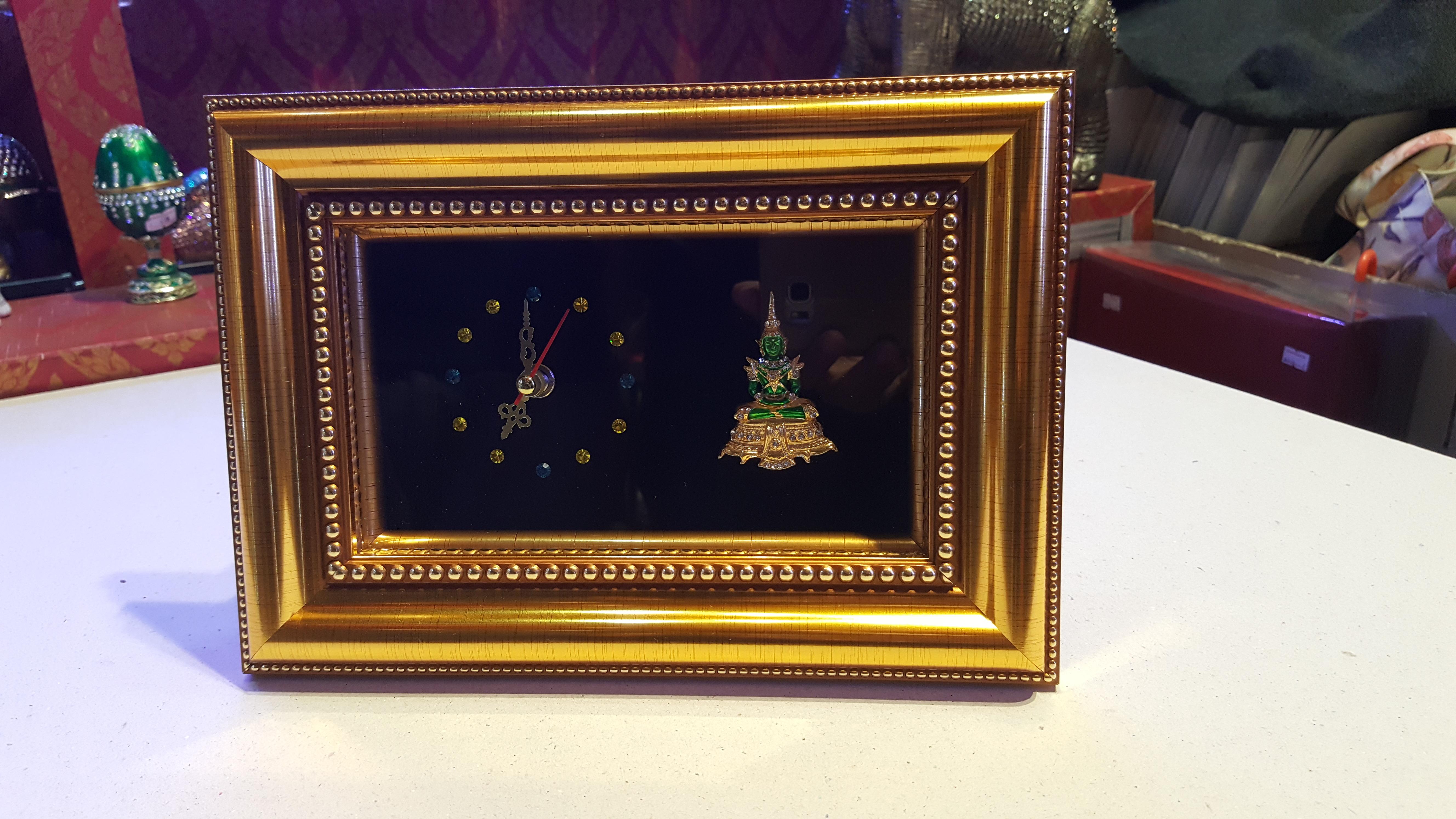 กรอบรูปเอกลักษณ์ไทย รูปองค์พระแก้วมรกต งานหัตถศิลป์ ที่ทรงคุณค่า