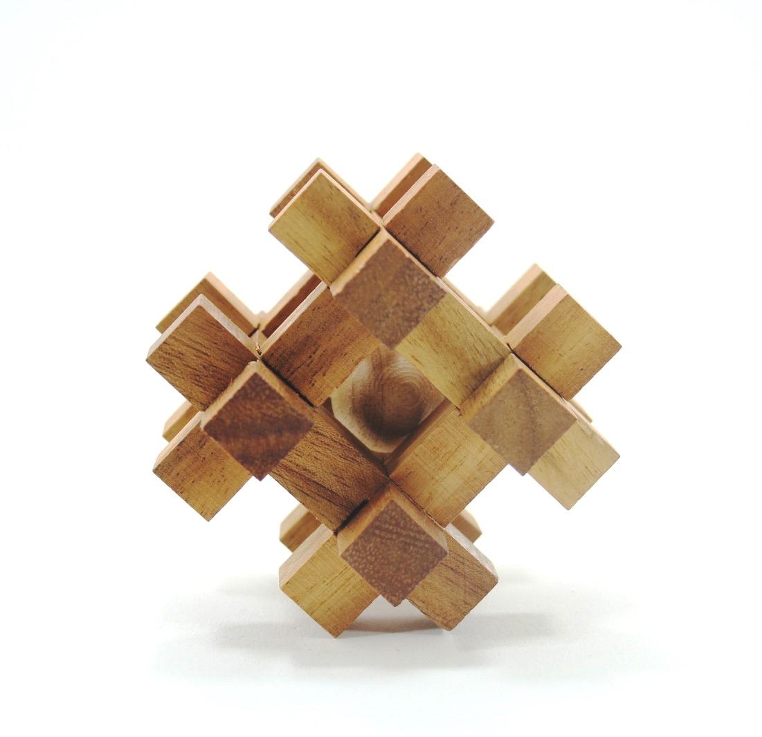 เกมส์ลูกบอลในห้องลับ Ball in Jail Wooden Toy เกมส์ไม้ ฝึกสมอง